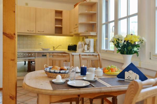 Küche der Ferienwohnung im Haus am Hafen von Ralswiek auf der Insel Rügen