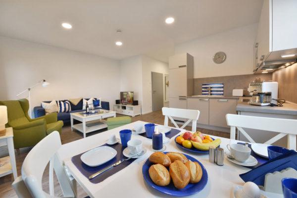 appartements-ruegen-blaues-haus-kueche-wg1