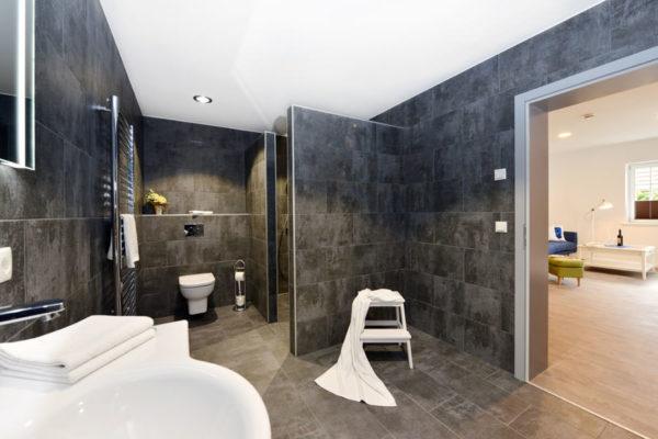 badezimmer-blaues-haus-appartements-ruegen-wg4