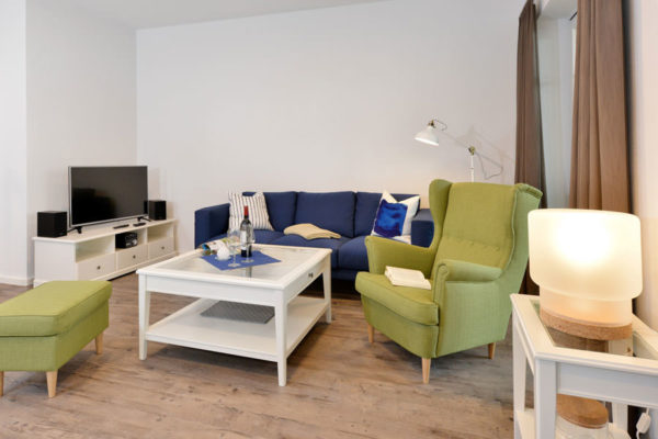 wohnbereich-ferienwohnungen-insel-ruegen-blaues-haus-wg2