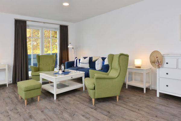wohnbereich-ferienwohnungen-ruegen-blaues-haus-wg5